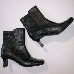 Reaction Kenneth Cole Black Leather Heel Boots 8.5